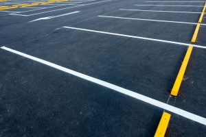 seal coat asphalt parking lot -- XSealer Asphalt Maintenance