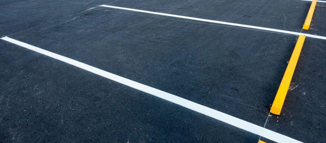 seal coat asphalt parking lot -- XSealer Asphalt Maintenance